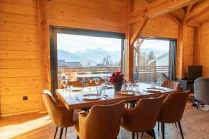 Dining Area With Mountain View - Woodland Chalets West