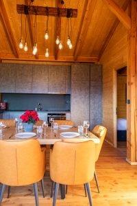 Fully Furnished Kitchen - Woodland Chalets West