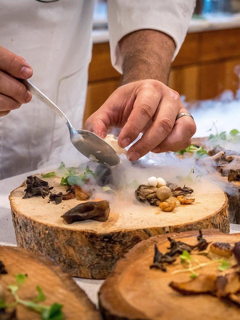 wood. gourmet restaurant